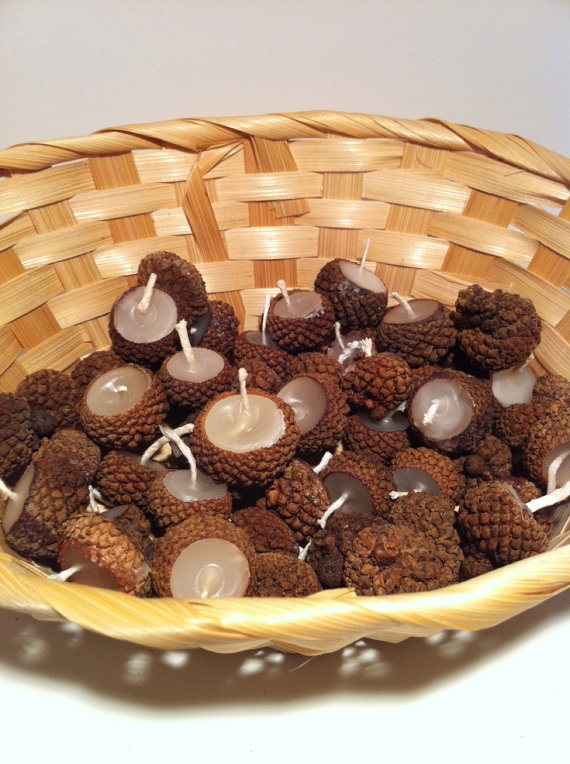 Nuts for acorns handmade finds for your thanksgiving for Acorn decoration